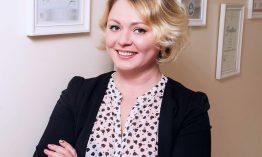 Irina Maul | Gründerin & Inhaberin eines Berliner Kosmetikstudios sorgt für wohlgeformte Augenbrauen
