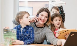 """""""E-Mailings braucht eigentlich jeder!"""" E-Mail & Online-Marketing Unternehmerin Yvonne Perdelwitz über 16 Jahre Selbstständigkeit und ihr weltweites Remote-Team"""